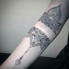 Mandala Wrist Tattoo, Wrist Band Tattoo, Cuff Tattoo, Henna Tattoo Designs Arm, Lace Tattoo, Small Tattoo Designs, Dove Tattoos, Pin Up Tattoos, Body Art Tattoos