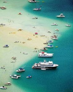 Amazing !!! Kaneohe Bay, Oahu, Hawaii beach   Find your perfect Hawaii condo, villa, vacation home or beach rental http://www.go2vacationrentals.com/search/United_States/Hawaii