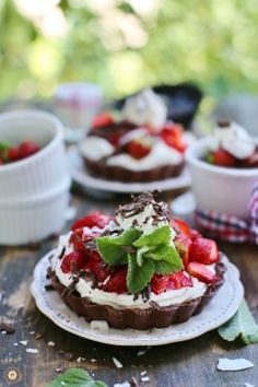No-bake strawberry chocolate tartlets with coconut cream