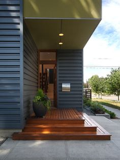 New house entrance exterior modern front porches Ideas Front Porch Steps, Front Stairs, Front Deck, House Front, Front Entry, Entry Stairs, Door Entry, Modern Entry, Modern Exterior