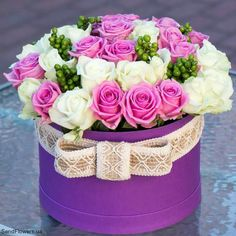 Flower Box Gift, Flower Boxes, Beautiful Rose Flowers, Amazing Flowers, Apple Centerpieces, Birthday Wishes For Kids, Rose Flower Arrangements, Bouquet Box, Flower Boutique