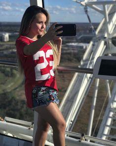 Larissa Manoela ( lmanoelaoficial) • Fotos e vídeos do Instagram Larissa  Manoela Na Disney 79ff1ebd7f