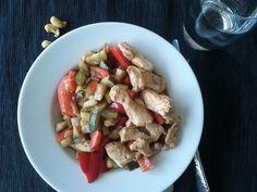 Lunch (3 blocks)  3 P - 90gr chicken breast  3 C -zucchini, peppers  2 F - olive oil (to fry)  1 F - cashew nuts  + salt, pepper, oregano, chilli