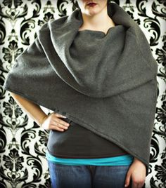 Cowl Capelet: Free pattern and detailed tutorial. I like this entire site. There is a fleece hooded cape pattern which is just so cool. I think it would help to have some sewing experience on some of the patterns ♡ Fleece Crafts, Fleece Projects, Diy Sewing Projects, Sewing Tutorials, Sewing Crafts, Sewing Ideas, Craft Projects, Caplet Pattern, Hooded Cape Pattern