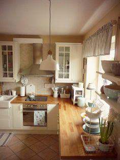 Dress up the kitchen furniture with a small budget - Home Fashion Trend Kitchen Room Design, Home Decor Kitchen, Interior Design Kitchen, Country Kitchen, Kitchen Furniture, New Kitchen, Home Kitchens, Kitchen Ideas, Küchen Design