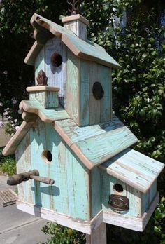 Very nice birdhouse!