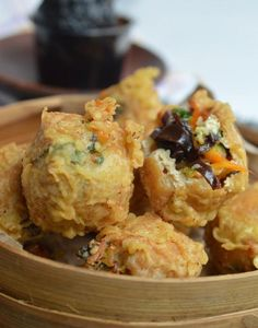 Didi's Kitchen: Tahu Pong Mercon (Super Spicy and Hot Fried Tofu Balls) Indonesian Desserts, Indonesian Cuisine, Asian Desserts, Indonesian Food Tempe, Indonesian Recipes, Asian Appetizers, Appetizer Recipes, Snack Recipes, Cooking Recipes