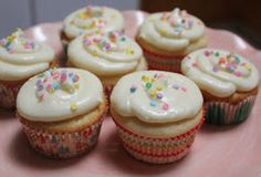 What's Up Cupcake?: Sweet Treats Saturday: Lemon Cupcakes with Cream Cheese Frosting