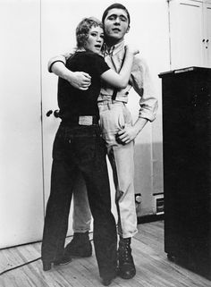 Teenage Skinhead couple The girls wearing heals without her jeans turned up. good look I never see these days. Mode Skinhead, Skinhead Clothing, Skinhead Girl, Skinhead Fashion, Punk Fashion, Boy Fashion, 1960s Fashion, Winter Fashion, Black White