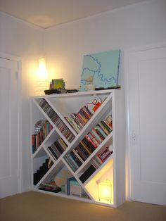Bookshelf with geometrically arranged interior rows