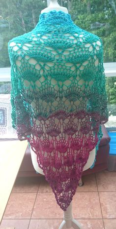 Hummingbird Triangle Shawl https://www.crazypatterns.net/en/items/29301/kolibri-dreieckstuch-hummingbird-triangle-shawl