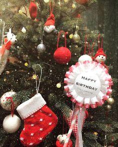 🌟 #HappyBirthday 🎉💕 . ずっとずっと使いたかった @melondiy さんのロゼットステッキ🙈💕 やっと使えました〜〜〜🎉✨ . 誕生日は少し前だけど、クリスマスイブ🎄に私の両親と旦那さんの4人でパーティーしました🌹🎉💓 . ロゼットステッキ持って写真撮るの最高に可愛いです😍❤️❤️❤️ . . #ロゼット#ロゼットステッキ#クリスマスイブ#クリスマス#パーティー#🎄🎉🍾🌹💋#キラキラ加工#✨