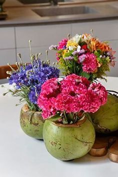 Delightful photo - kindly visit our short article for a lot more suggestions! Diy Birthday Decorations, Birthday Diy, Table Decorations, Moana Party Decorations, Pineapple Flowers, Tulips Flowers, Natural Flowers Photos, Adult Luau Party, Havana Nights Party