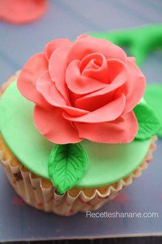 Tutoriel Rose en pâte à sucre
