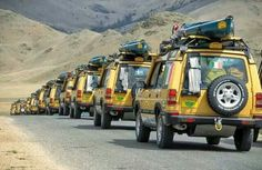 Camel Trophy Land Rover Discoveries