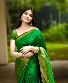 Indian Actress Hot Pics, Tamil Actress Photos, Indian Actresses, Photo Dream, Popular Actresses, Messy Hairstyles, Indian Beauty, Pretty Woman, White Dress