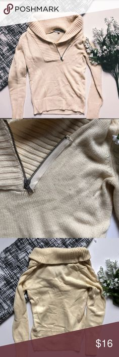 Gap Zip Up Turtleneck Pullover A soft light yellow / cream color with gentle wear and signs of pilling from wash. 45% nylon 28% acrylic 27% wool. Roughly 23 inches shoulder to hem 💕💐 GAP Sweaters Cowl & Turtlenecks