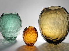 Váza Glacier. Design by David Wiseman. Vyrobeno: 2006.