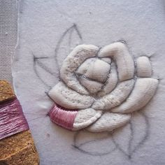 Rose #submarina707 #brooch #goldworkembroidery #goldwork #embroideryart #embroideryprocess #emroidery #вышивка #брошь #роза #3d