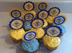 Cub Scout. Great for the Blue & Gold Banquet! Wolf Scouts, Cub Scouts, Cub Scout Crafts, Arrow Of Lights, Scout Mom, Yellow Paper, Eagle Scout, Pinewood Derby, Light Crafts