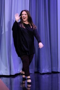Melissa McCarthy's outfit on The Tonight Show With Jimmy Fallon was effortlessly glam -- black, strappy heels, black leggings, a long black top, and a gorgeous red lip. http://thestir.cafemom.com/beauty_style/186646/melissa_mccarthys_style_upgrade_has