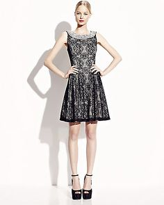 JEWEL NECK SLEEVELESS LACE DRESS BLACK