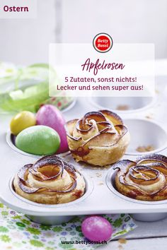 Mit nur fünf Zutaten kannst du dieses hübsche Dessert herzaubern! Apfelrosen sind lecker, erfrischend und soo herzig! Brunch, Sweet Recipes, Embroidery Patterns, Camembert Cheese, Muffins, Recipies, Glow, Food And Drink, Cupcakes
