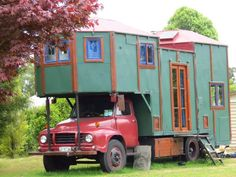 New Zealand Housetrucks Truck House, Online Home Design, Old School Bus, Home Design Magazines, Garden Architecture, House On Wheels, Magazine Design, New Zealand, Tiny House