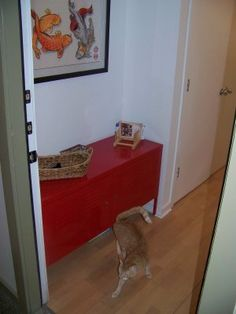 Another Ikea hack for hiding the litter box.