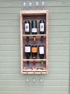Simplistic reclaimed wood wine rack tall por DelHutsonDesigns