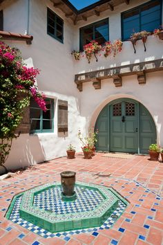 House Exterior Colonial Spanish Revival New Ideas Spanish Revival Home, Spanish Style Homes, Spanish House, Spanish Colonial, Spanish Bungalow, Spanish Modern, Exterior Colonial, Spanish Exterior, Exterior Homes