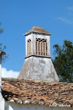 Chaminé construída em 1940. Algarve-Portugal