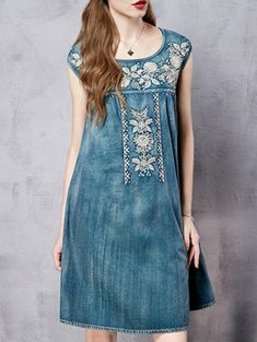 SHARE & Get it FREE | Retro Embroidery Round Neck Sleeveless DressFor Fashion Lovers only:80,000+ Items • New Arrivals Daily Join Zaful: Get YOUR $50 NOW!