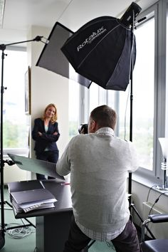 Making of 2 Studio Lighting Setups, Photography Lighting Setup, Portrait Lighting, Photo Lighting, Portrait Photography Poses, Still Photography, Light Photography, Portraits, Corporate Fotografie