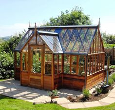 Homemade greenhouse ideas Homemade greenhouse ideas Build yourself a solar or even a small greenhouse, where you can grow your vegetables . Backyard Greenhouse, Greenhouse Plans, Pallet Greenhouse, Portable Greenhouse, Diy Small Greenhouse, Greenhouse Attached To House, Window Greenhouse, Greenhouse Growing, Homemade Greenhouse