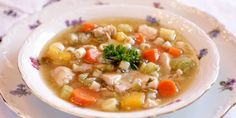 Arlene crafted this healthy Skinny Chicken Vegetable Soup recipe to be yummy and delicious, and also to promote weight loss. Good Healthy Recipes, Healthy Chicken Recipes, Healthy Foods To Eat, Healthy Eating, Amazing Recipes, Easy Recipes, Healthy Fit, Breakfast Healthy, Diet Foods