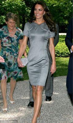 Kate-Middleton-in-grey-dress.jpg