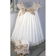 Vestido blanco con beige, hermoso, El baúl de Luz