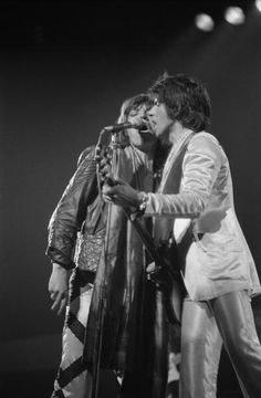 Mick Jagger and Keith Richards of The Rolling Stones perform on stage at the New Bingley Hall Stafford in May 1976 Keith Richards, Classic Rock And Roll, Rock N Roll, Cummins, Stone World, Rock Groups, Rhythm And Blues, Mick Jagger, Metal Bands