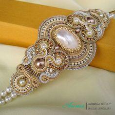 Bracelet  Pearl I by GaleriaAURUS Soutache Bracelet, Soutache Jewelry, Beaded Jewelry, Beaded Necklace, Unique Jewelry, Soutache Pattern, Lesage, Homemade Jewelry, Fantasy Jewelry