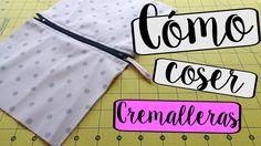 El súper tutorial Foto a Foto que estábais esperando. Cómo hacer un bolsazo de Trapillo Sewing Hacks, Sewing Tutorials, Sewing Patterns, Fabric Crafts, Sewing Crafts, Sewing Projects, Sewing Clothes, Diy Clothes, Watch Diy