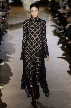 Winter luxury and crochet   knitting patterns from the collection of Stella McCartney Fall-Winter 2015: Crochet and knitting