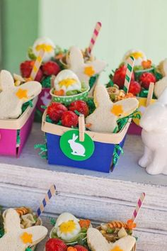 Easter Egg Hunt by TomKat Studios for HGTV: lunch in painted berry baskets
