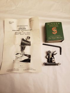 Featherweight Sewing Machine, Sewing Machine Embroidery, Singer, Stitch, Vintage, Full Stop, Singers, Vintage Comics, Sew