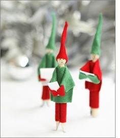 Christmas Peg Elves @Tara Dennis: These cute guys are so easy to make, even adults can do them but only with kids supervision of course. Felt comes in all sorts of great colours so you can choose different outfits and have fun dressing them up in your favourite colours. They'll look so smart, you're bound to impress your family and friends too.    Have lots of fun this Christmas. Love Tara xxx