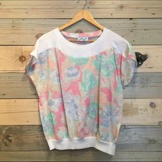 Vintage 80s pink floral top Good condition. Fits S-M. Material feels like cotton or cotton blend Vintage Tops Blouses