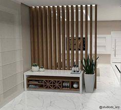 More Decoration : http://www.kadinika.com Que tal um painel ripado de madeira com iluminação indireta para dividir os ambientes? #arquitetura #arquitectura #ambientes #archdesign #archilovers #arquiteturadeinteriores #home #homedecor #homedesign #style #iluminacao #interiores #instadecor #instadesign #instagood #instamood #interiordesign #design #detalhes #designdeinteriores #decor #decoracao #decorar #decoration #tendenciaarquitetura #projeto #inspiration #inspiracao #vray #picoftheday