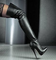 Sexy Boots for women and men from Sexy Shooz UK. Ankle Boots, Knee Boots, Thigh High Boots plus Crotch and Chap Boots Thigh High Boots Heels, Stiletto Boots, Hot High Heels, Heeled Boots, Sexy Stiefel, Talons Sexy, High Leather Boots, Nylons Heels, Shoes Heels