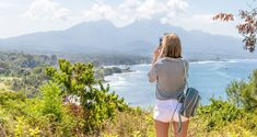 Every day and hour counts when it comes to summer vacation, so we've rounded up our best travel hacks for getting the most out of your vacation days. Eurotrip, Solo Travel, Travel Tips, Travel Hacks, Travelling Tips, Disney Travel, Travel Deals, Travel Essentials, Budget Travel