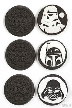 It's how I draw Darth Vader on an Oreo Cookie. It's my Darth Vader Oreo Cookie sculpture. This Star Wars Oreo Cookie art is part of an ongoing Series of Oreo. Cookies Oreo, Cupcakes Oreo, Oreo Truffles, Oreo Pops, Oreo Cake, Oreo Cheesecake, Oreo Fluff, Art For Kids Hub, Food Art For Kids